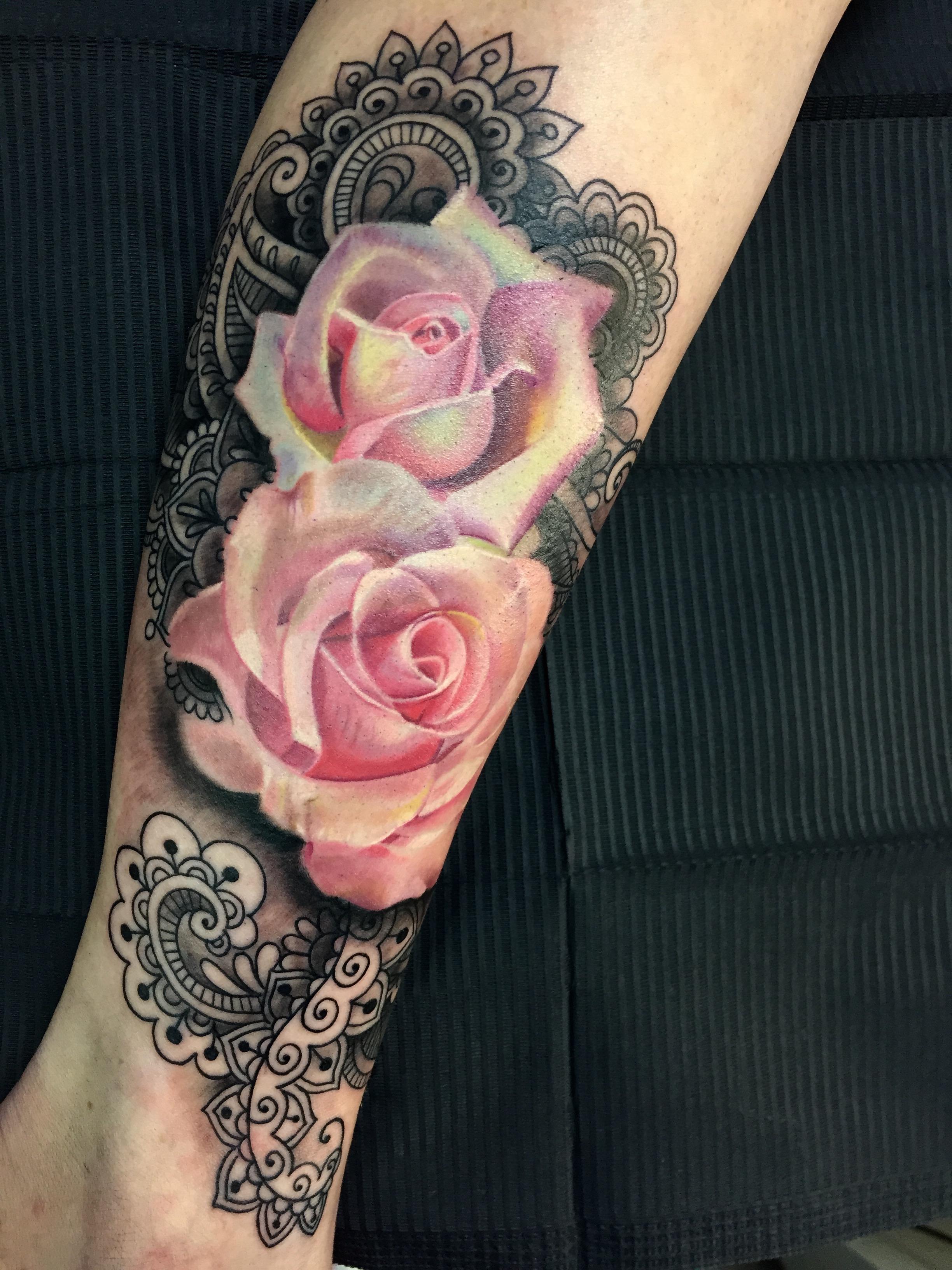 mandala, electrographic tattoo,germa ny, bayern, rosenheim, münchen , salzburg , innsbruck, vogel, rose, tattoo, tattoo art, color, realistic